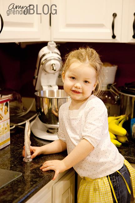 Hannah making cake 2